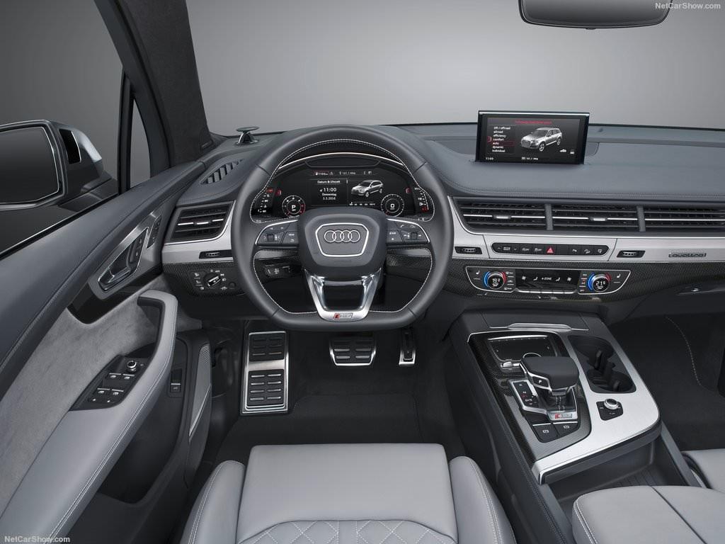 Audi SQ7 2017 Interiors